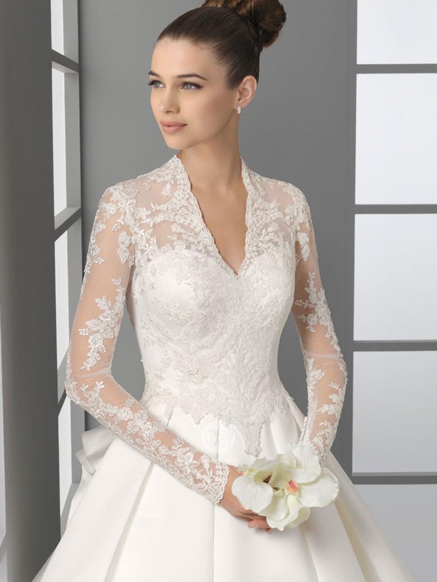 Brudekjole med blonder fra Celine Bridal