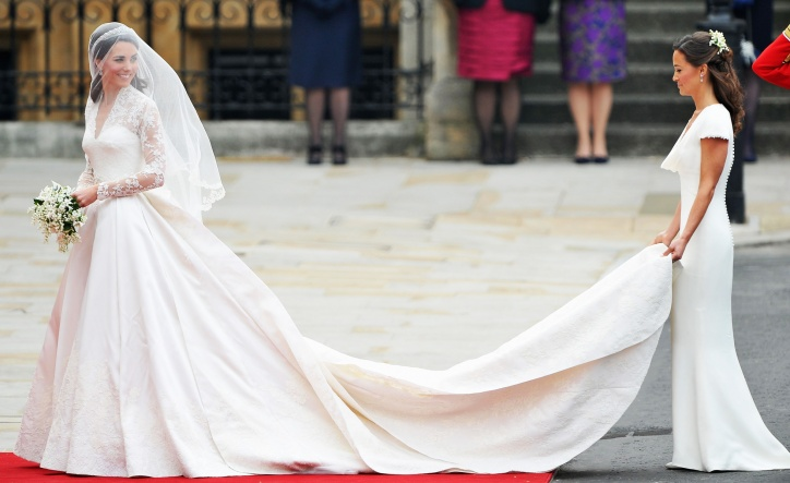 Kate Brudekjole med blonder