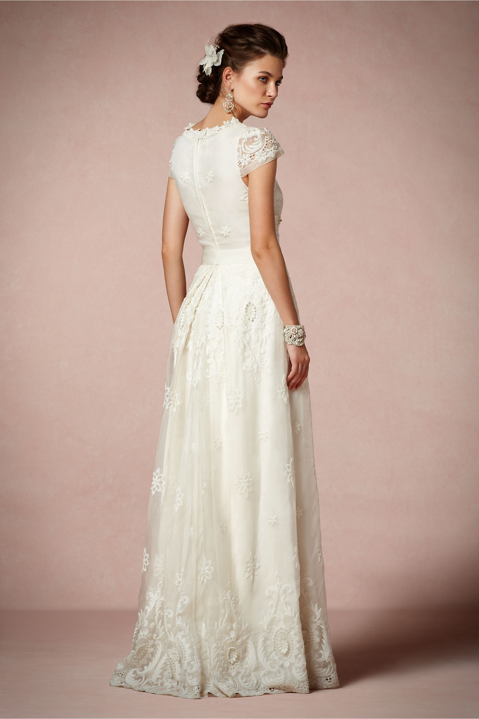 Rococo Gown kr 21 726,-