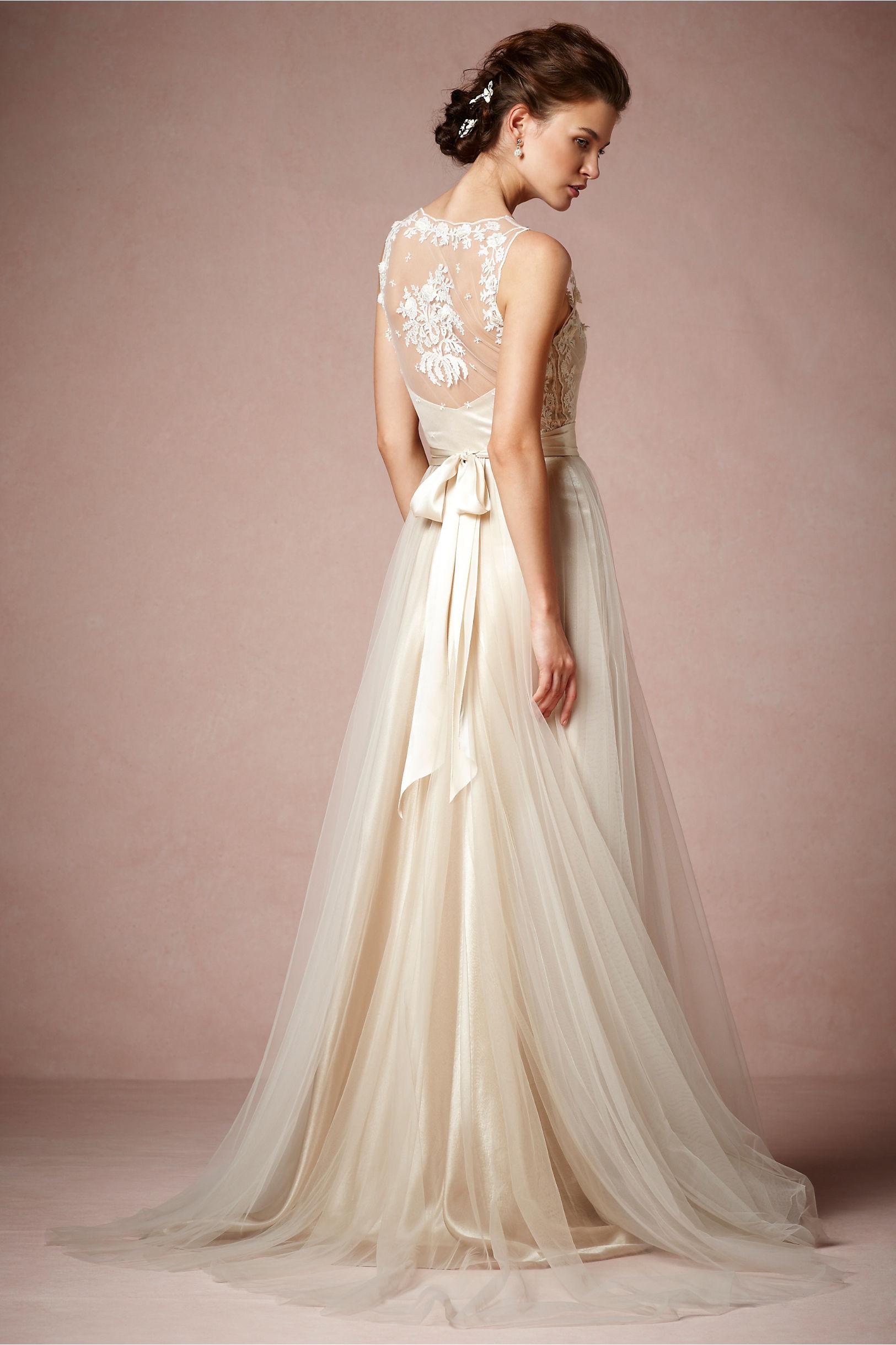 Onyx Gown kr 10 863,-
